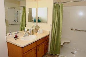 5-mpal_bathroom1_300x200